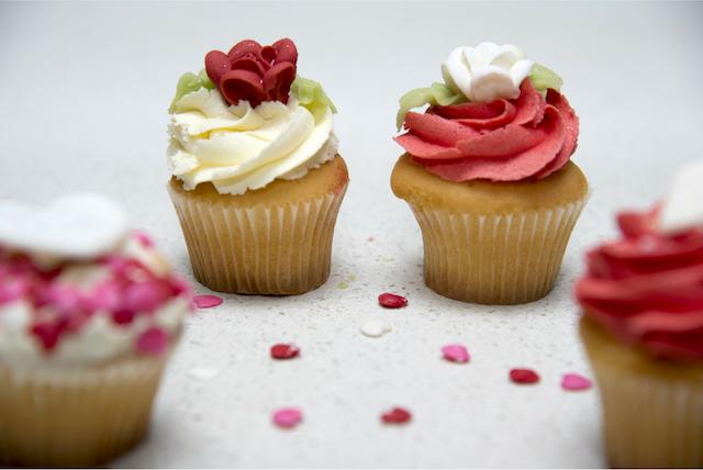 Apple Logo Cake Recipefood Network Recipes Tiramisu Chef Dennis