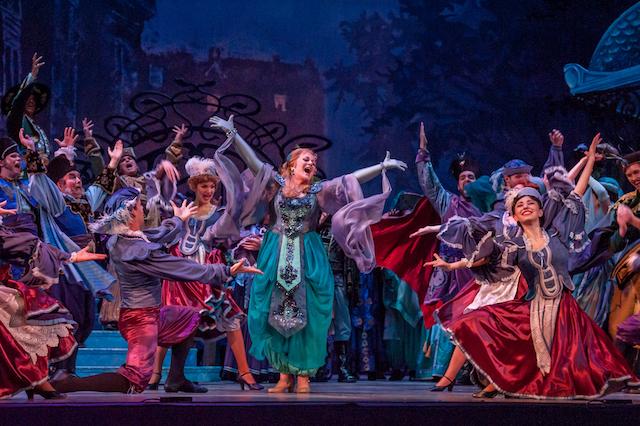 Vancouver Opera presents The Merry Widow (Die Lustige Witwe)