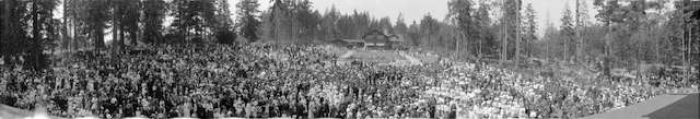 PeaceCeremonyPano_1919