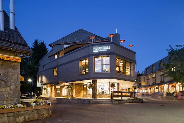 Pangea Pod Hotel - Whistler Village