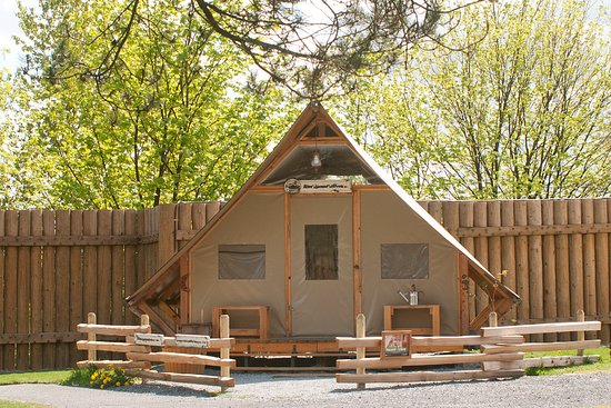 oTENTik Fort Langley Accommodations
