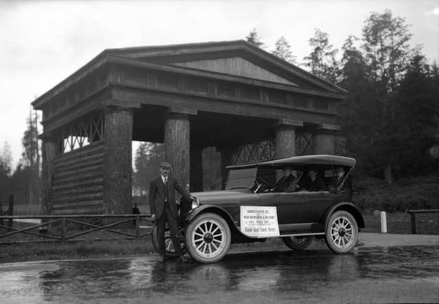 Reo Six Car at Lumberman's Arch