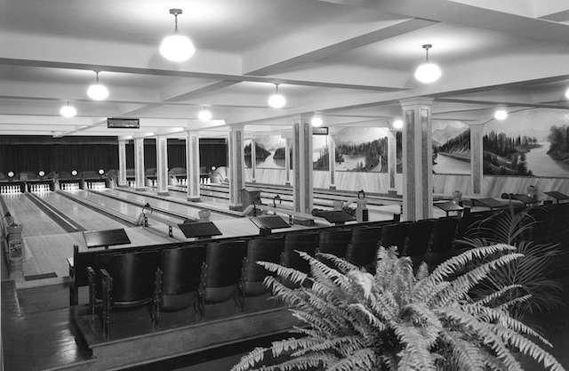 1931 - Commodore Lanes 5 pin bowling
