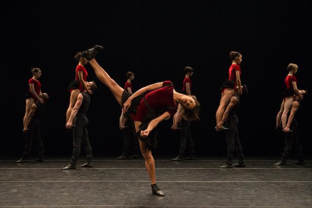 Image of Grupo Corpo's Dança Sinfônica by José Luiz Pederneiras