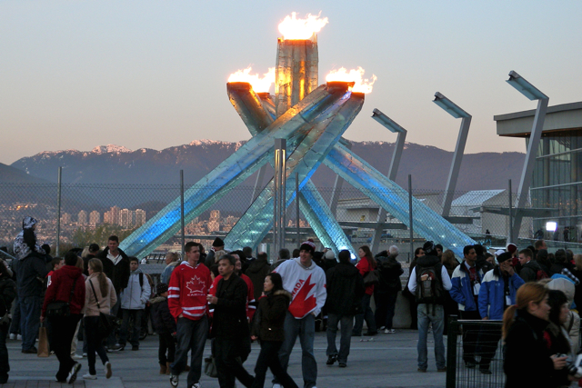 Miss604_2010_Vancouver_Olympic_Cauldron