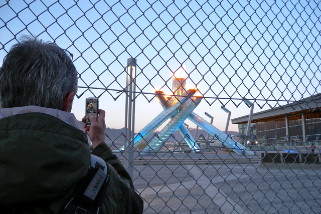 Miss604_2010_Vancouver_Olympic_Cauldron3
