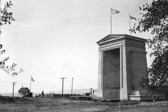 1921 Peace Arch Construction