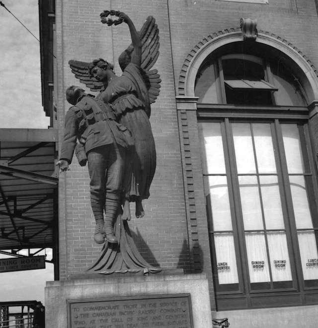 Angel of Victory (1940s photo by Jack Lindsay). Archives # CVA 1184-1079.